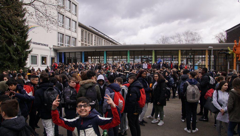 190326 Demo zum Rathaus (10)-min