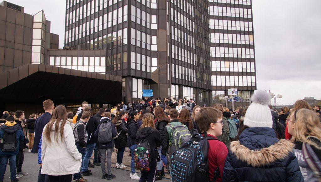 190326 Demo zum Rathaus (84)-min